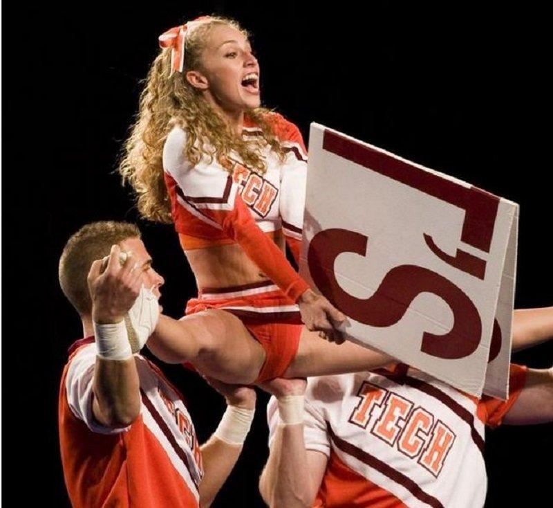 Inevitable Cheerleader Wardrobe Malfunctions Buzzativ 18 Buzzativ