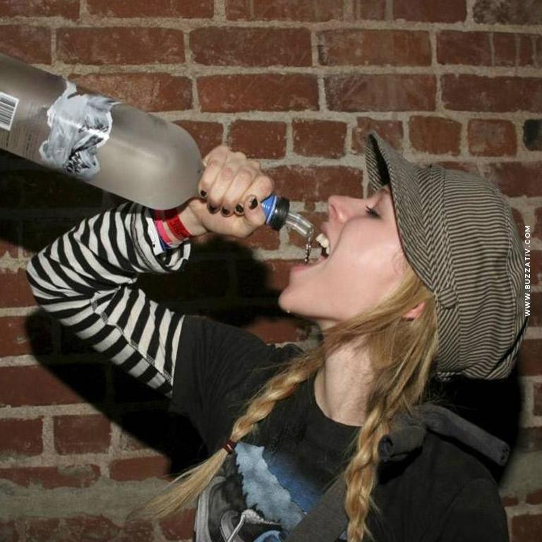avril lavigne drunk